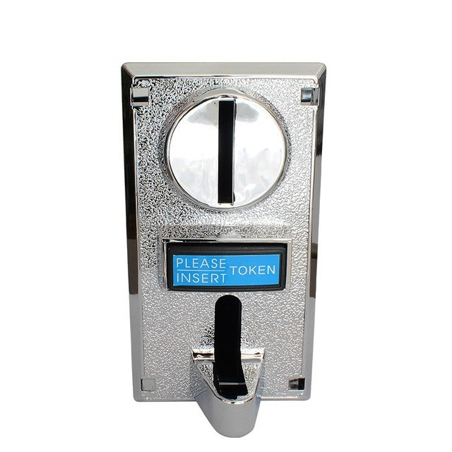 Multi coin acceptor for vending machine